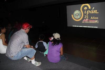 Sala de proyección en museo Tumbas Reales de Sipán.