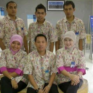 Foto Model Baju Batik Seragam Bank