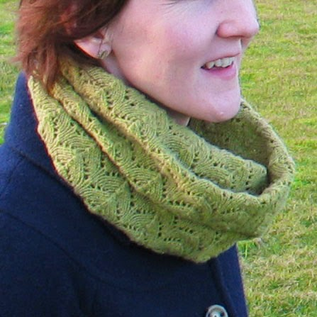 Donna Smith Designs: Brake Cowl - A free knitting pattern
