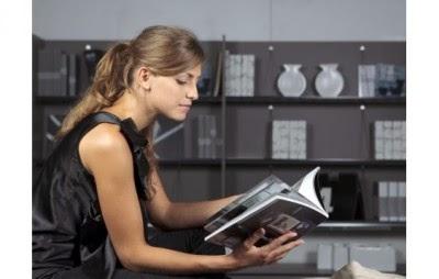 لتصميم مكتبة في المساحة المحدودة فى بيتك اليك تلك النصائح