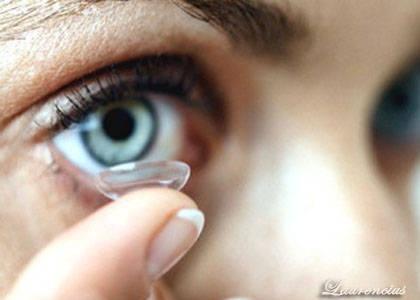 Softlens-atau-Lensa-kontak