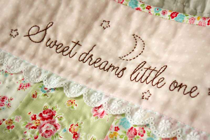 Sweet Dreams embroidery pattern and pillowcase tutorial over at Nana Company. & feeling stitchy: Tutorial Tuesday pillowsntoast.com