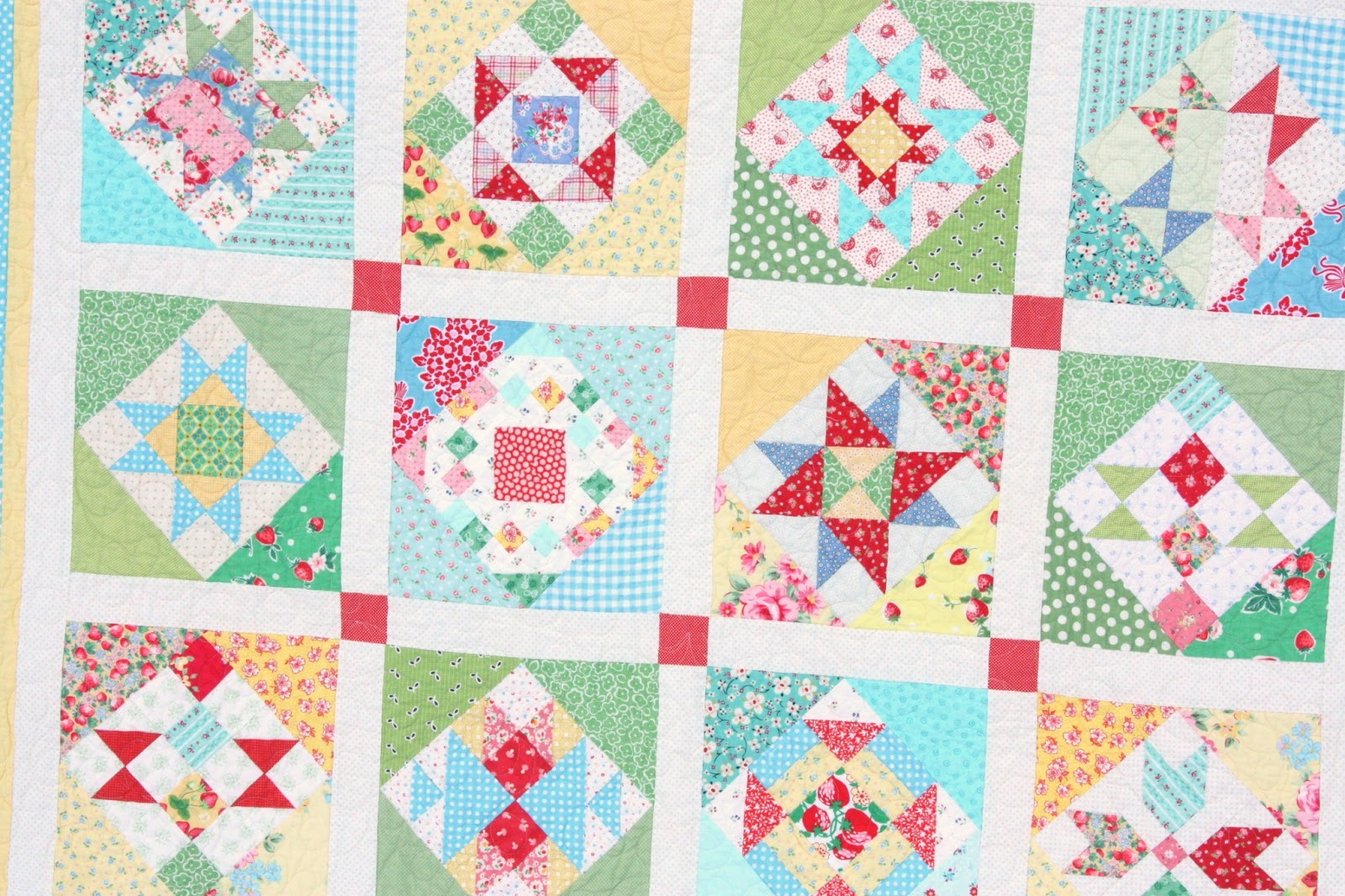 Quilt Patterns Block Of The Month : Finished Block of the Month Quilt! - Diary of a Quilter - a quilt blog