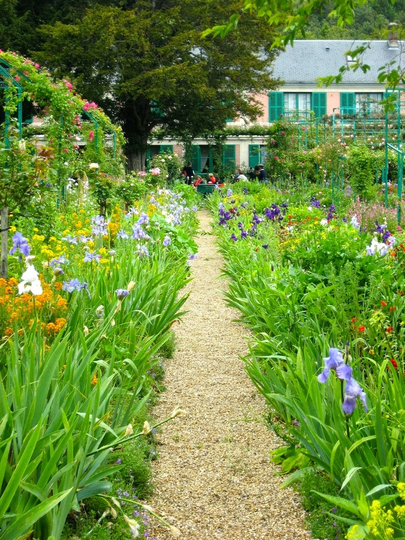 pathway from garden to Monet's house