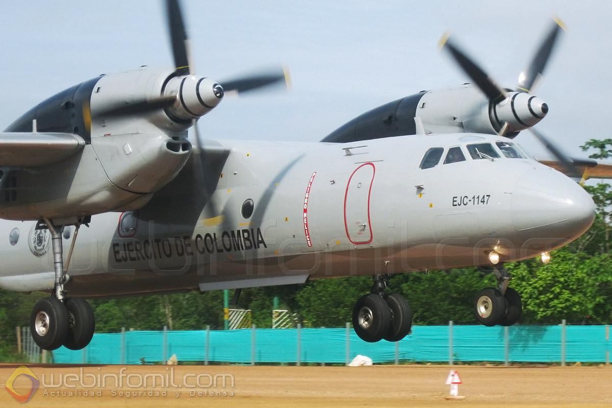 La División de Aviación Asalto Aéreo del Ejército de Colombia, ha perfeccionado el lanzamiento de carga en paracaidas desde sus aviones de carga Antonov AN-32.