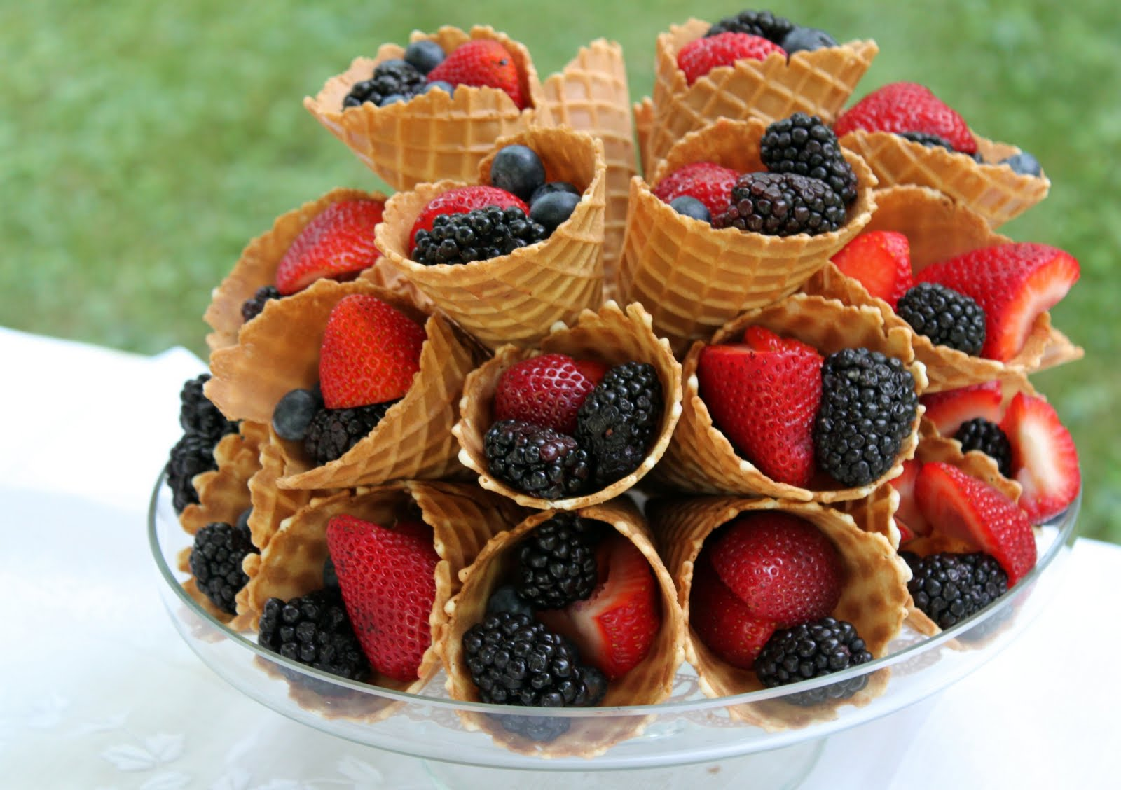 Summer berry cones the cottage mama for Summer food party ideas