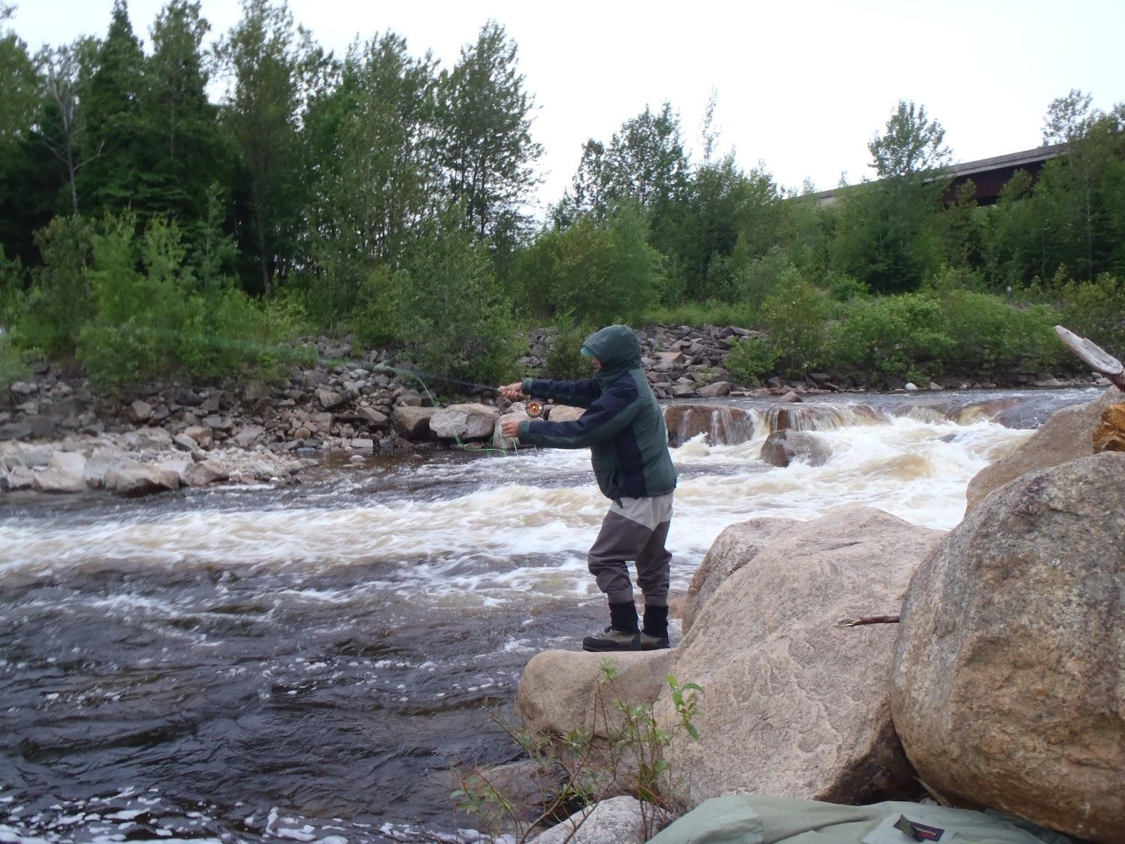 La pêche le lac la jeunesse vladivostok