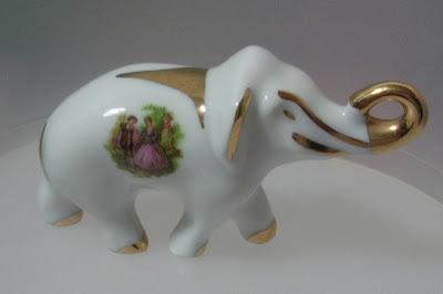 Elefante Blanco y Dorado de la Suerte