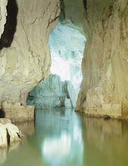 Una gita nel parco delle grotte di San Canziano seguendo il fiume Timavo