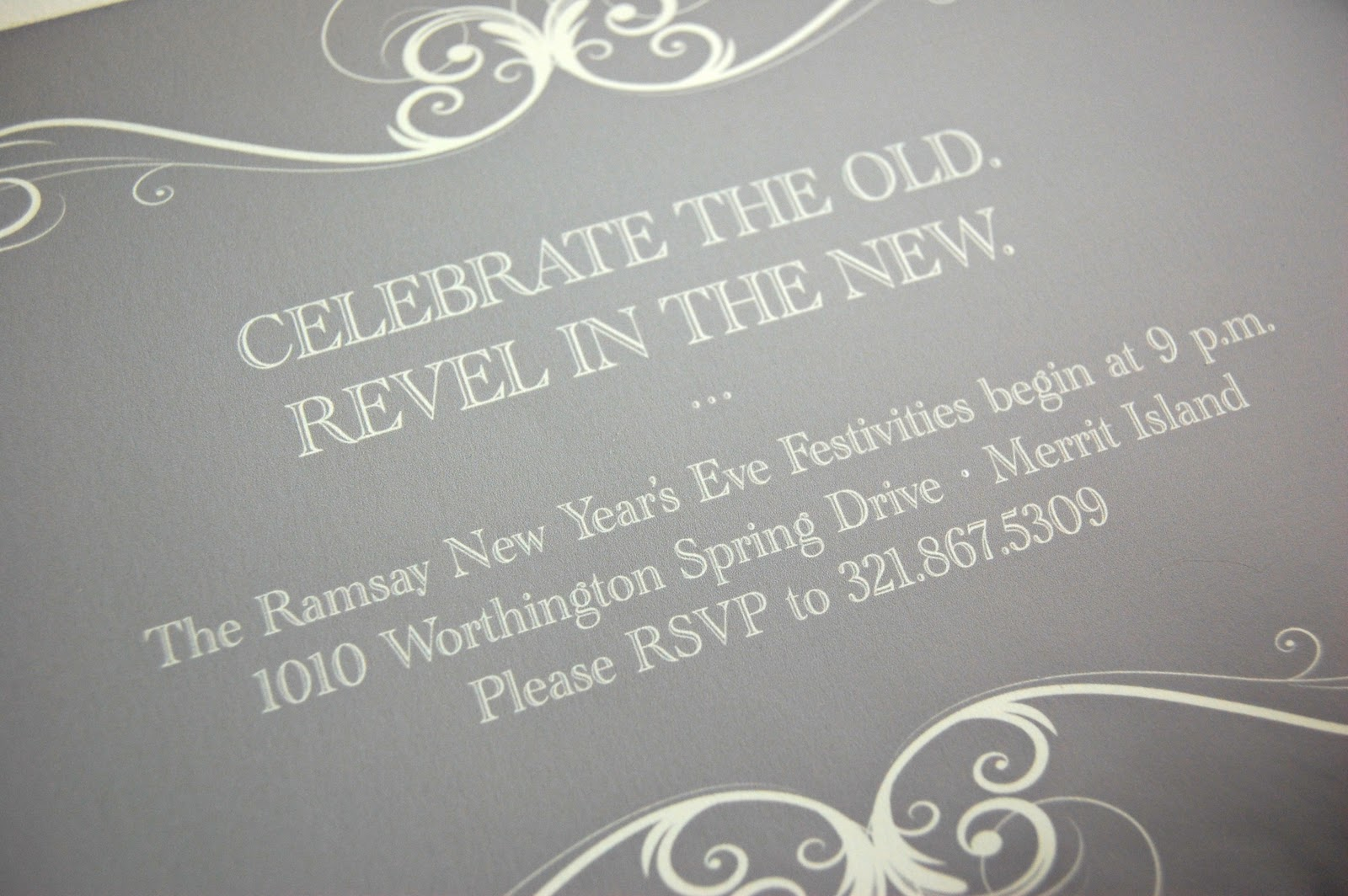 http://3.bp.blogspot.com/-1nEGexibUF8/Tv5r7i3JjVI/AAAAAAAABM8/FRz0grq9OuI/s1600/new-years-eve-invitation-inside-closeup.jpg