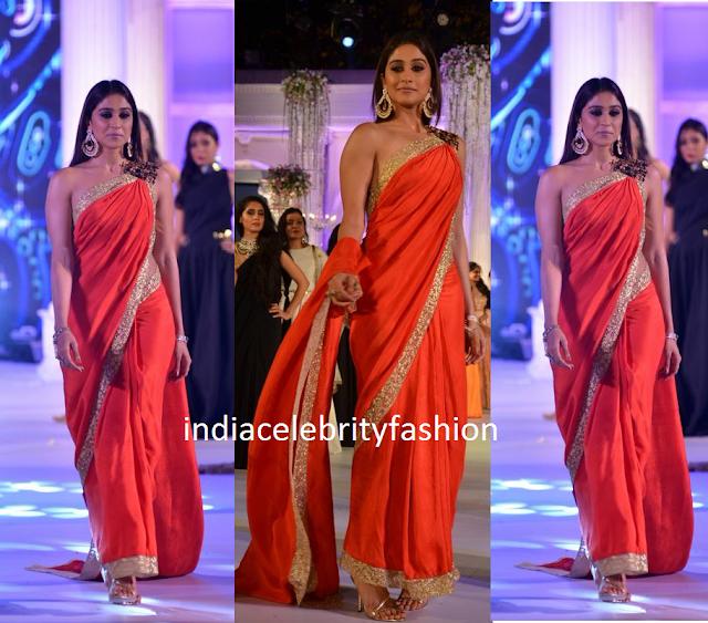 Regina Cassandra in Nikhil Thampi Red saree for FIICI FLO Women Achievers Awards