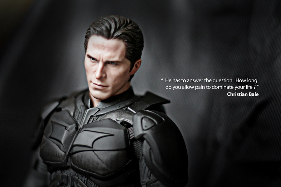 Christian bale Wallpaper 4 With 900 x 600 Resolution ( 70kB )