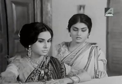 Madhabi Mukherjee and Ruma Guha Thakurta in Joradighir Chowdhury Paribar
