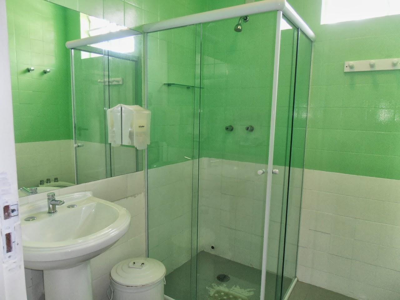 Viagens Por Aí: SÃO PAULO ALGUNS HOSTELS E PEQUENAS HOSPEDAGENS #49824D 1280x960 Banheiro Compartilhado Hotel