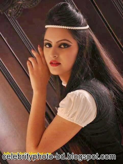 Bangladeshi+Super+Hot+And+Cute+Model+Pori+Moni's+HD+Photos015