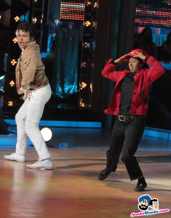 Contestant performing on the sets of 'Jhalak Dikhhla Jaa' - (16) - Salman-Katrina Promote Ek Tha Tiger on Jhalak Dikhlaa Jaa