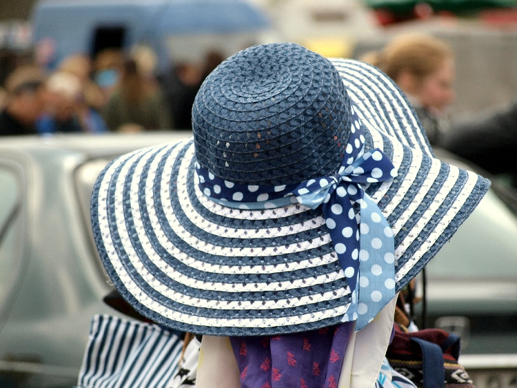 blue & white summer hat {photo walk: fleamarket finds II by momentstolivefor}