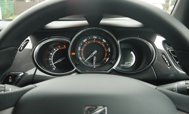 Citroen DS3 instrument cluster