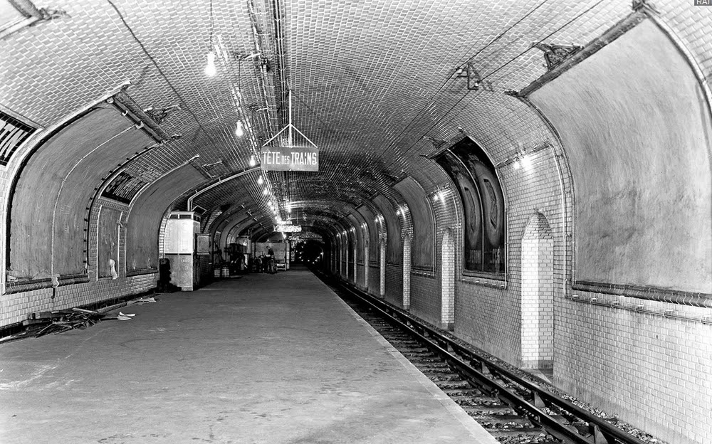06-Abandoned-Station-1-Nathalie-Kosciusko-Morizet-Manal-Rachdi-Nicolas Laisné-NKM-Paris-Ghost-Metro-www-designstack-co