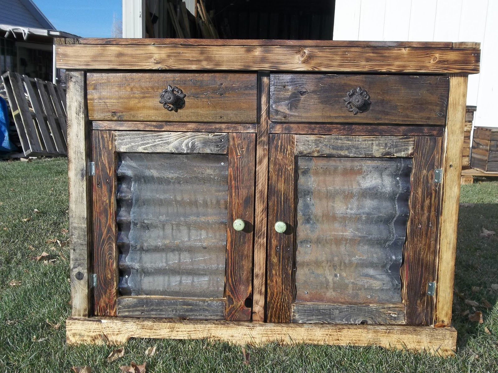 Price on hutches depend on size for Price of reclaimed barn wood
