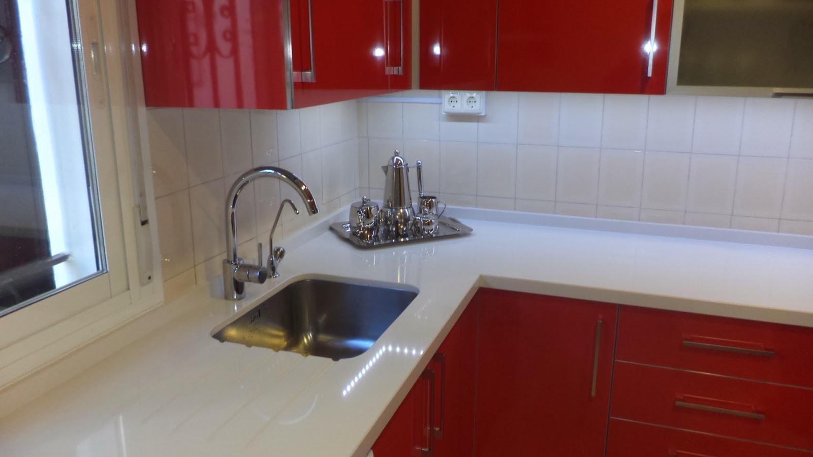 Muebles sevilla barbero 8 cocina en formica roja y for Encimeras de cocina formica precios