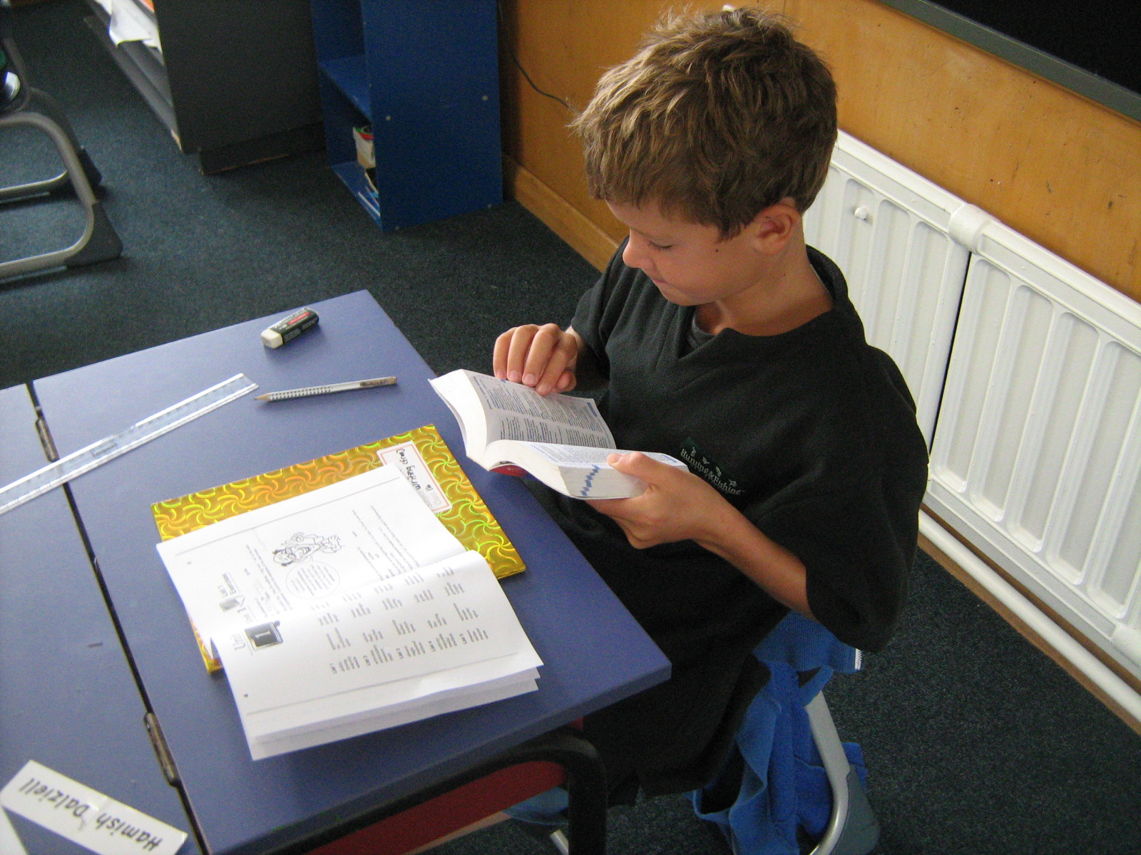 room s learning log enjoying many different ways of learning spelling children work independently on complex spelling lists and spelling activities working dictionaries defining understanding spelling