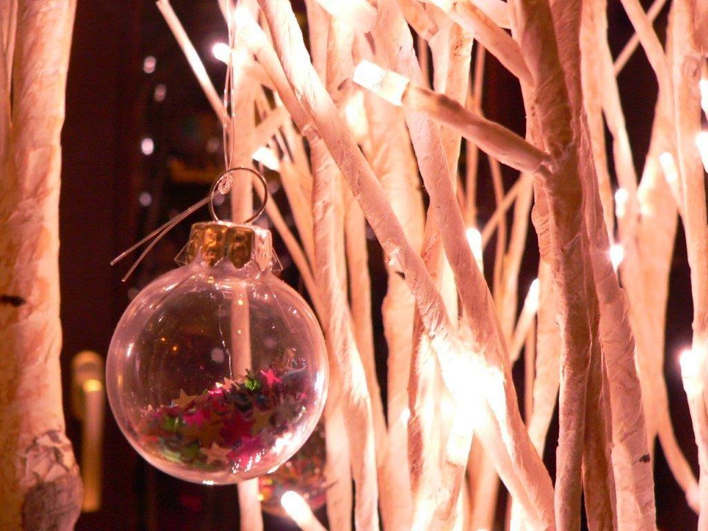 Weihnachten Deko Christbaumkugel Weihnachtskugel weiß bunt Sterne
