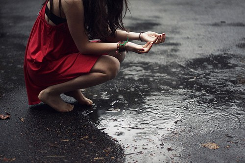 TipsLlove Quote: alone sad girl in rain | sad girls in rain | sad ...