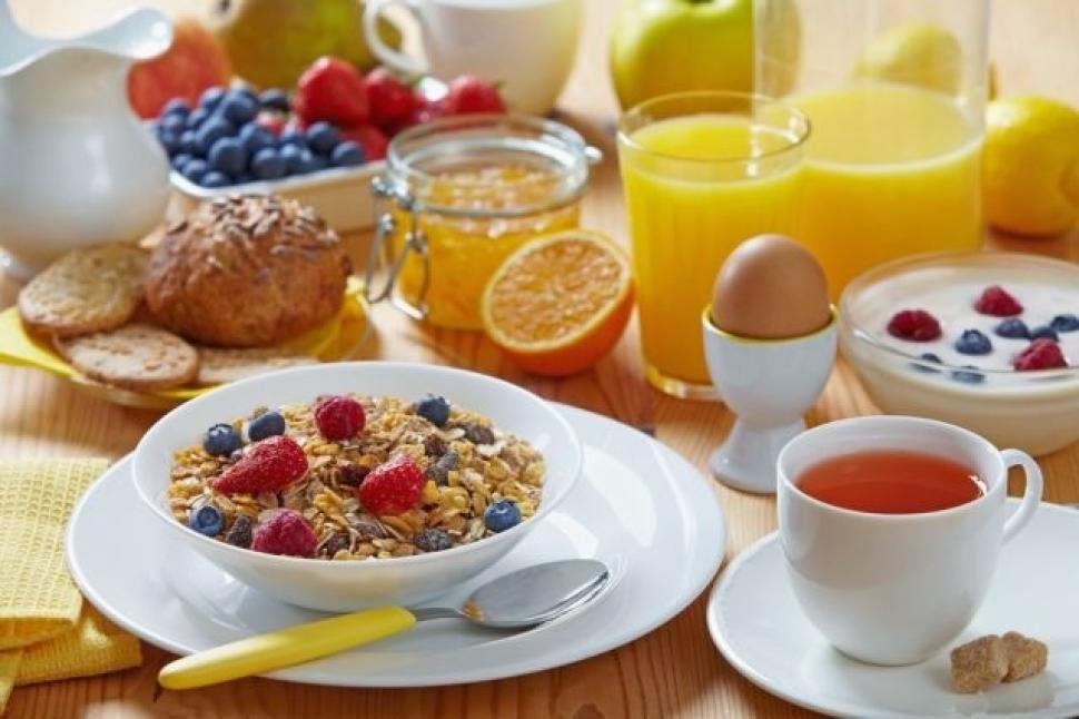 παράλειψη πρωινού