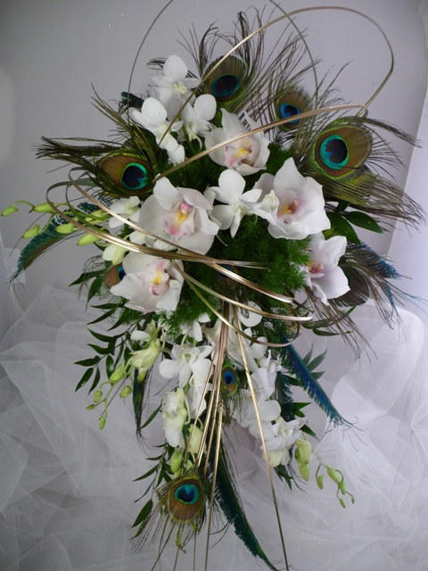 White Wedding Bouquets With Peacock Feathers : Yanisell s the most popular items that are now