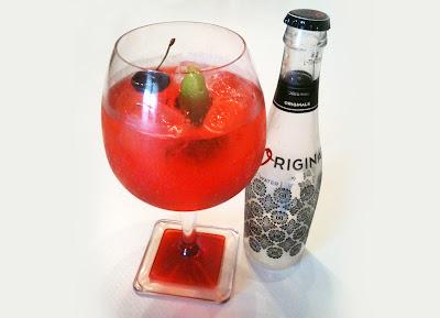 Gintonic de cereza cocktail flavours for Cocktail 7cl