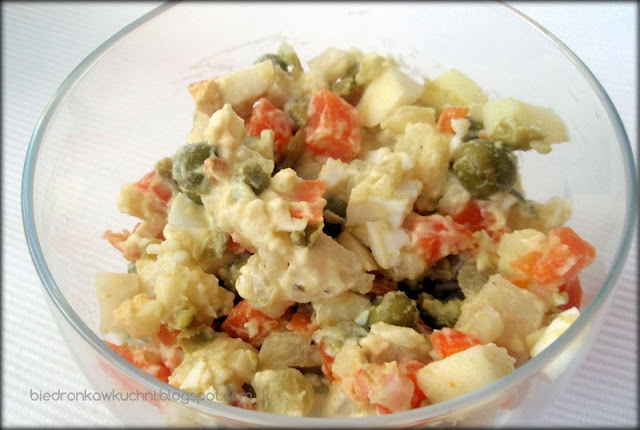 sałatka jarzynowa, sałatka warzywna, przepis na sałatkę jarzynową, przepis na sałatkę warzywną
