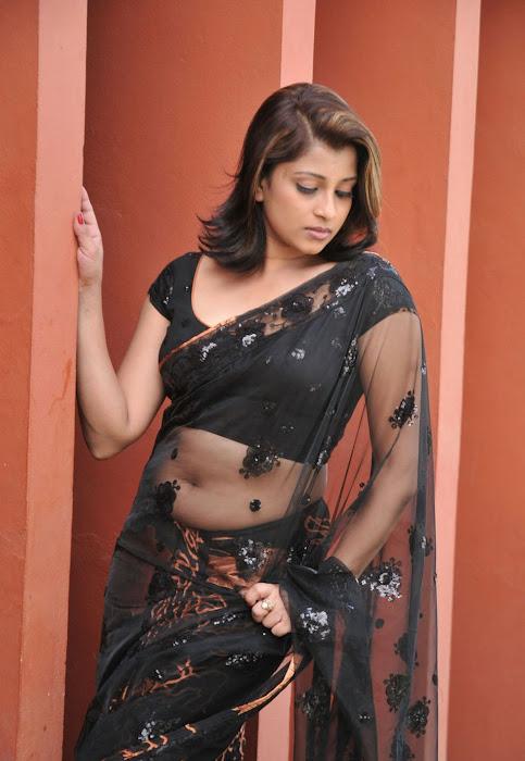 nadeesha hemamali transparent saree , nadeesha spicy