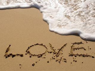 Amor entre la arena y el mar