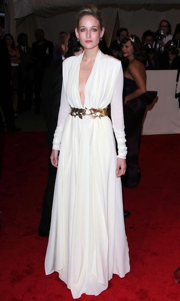 Leelee Sobieski in a custom-made Vionnet ivory silk crepe de chine dress at the 2011 MET Gala.