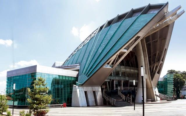 kritik arsitektur architektur macht spa