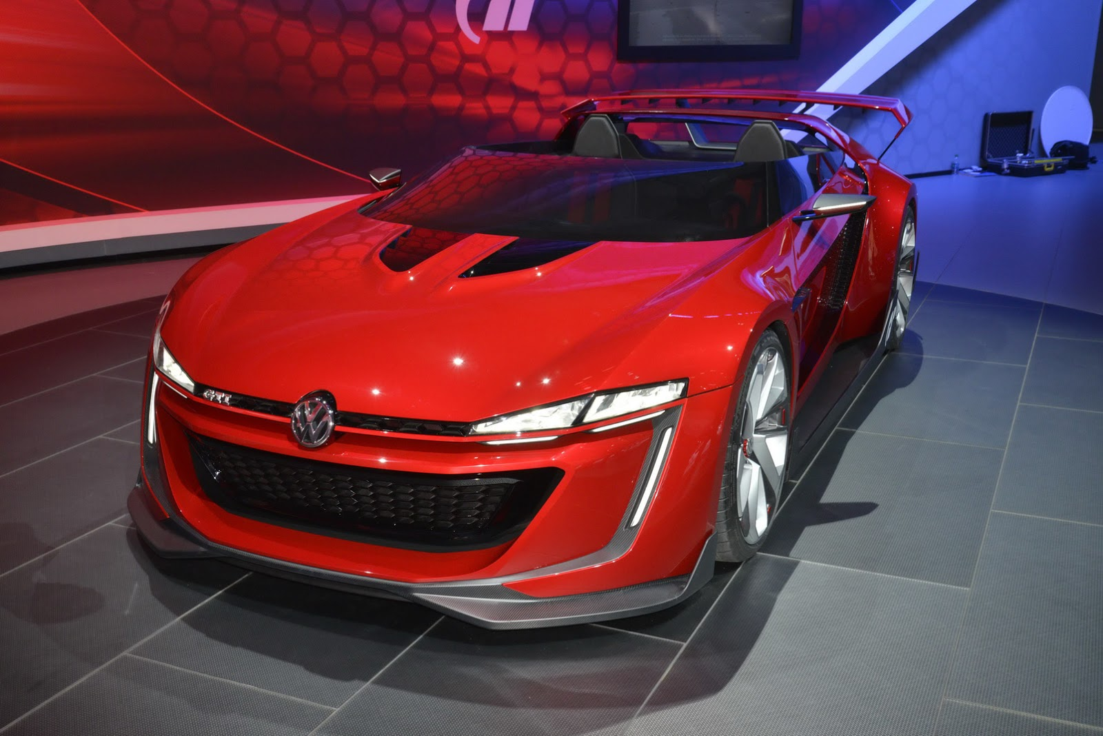 Vw 39 s gti roadster concept would make for an awesome scirocco