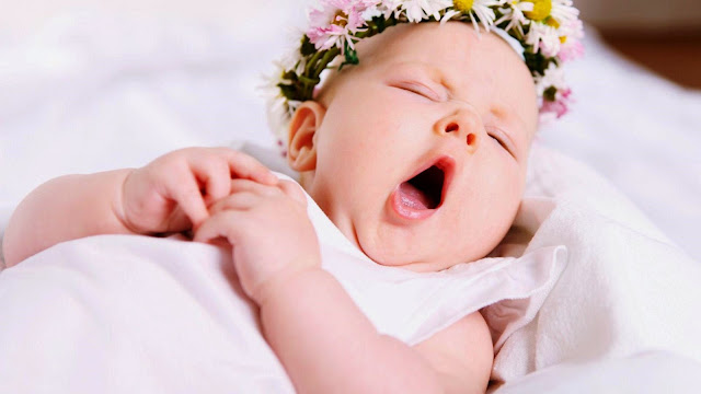 102903-Yawning Baby HD Wallpaperz