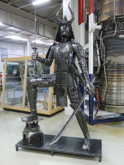 11a-The-Samurai-2.4m-high-Giganten-Aus-Stahl