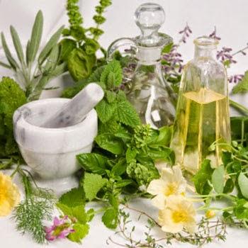 Monta un negocio de medicina alternativa