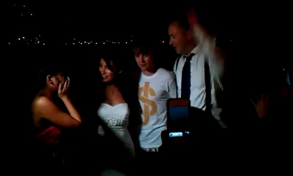 Justin Bieber Membuat Kerusuhan di Hari Pernikahan Pasangan Ini di Malibu California