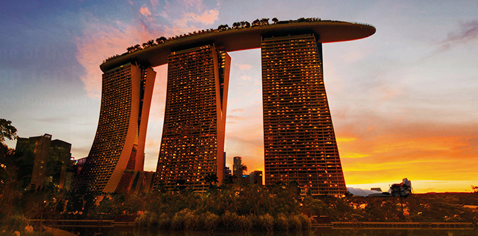 Marina Bay Sands resort in Singapore opens | Daily Mail Online