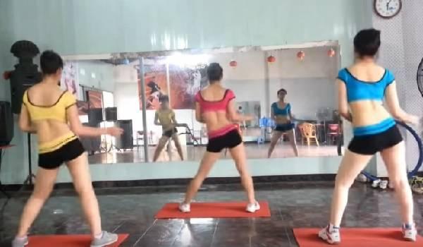 tập thể dục thẩm mỹ tại nhà