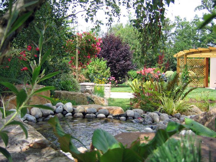 Muebles y decoraci n de interiores dise o de jardines al - Jardines en casas de campo ...