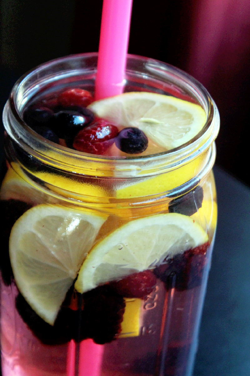 Lemon Berry Flush Fat Spa Water | DIY Detox Water Ideas To Stay Refreshed | detox water for skin
