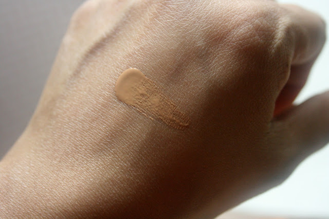 Mineral Fusion Liquid Foundation Swatch