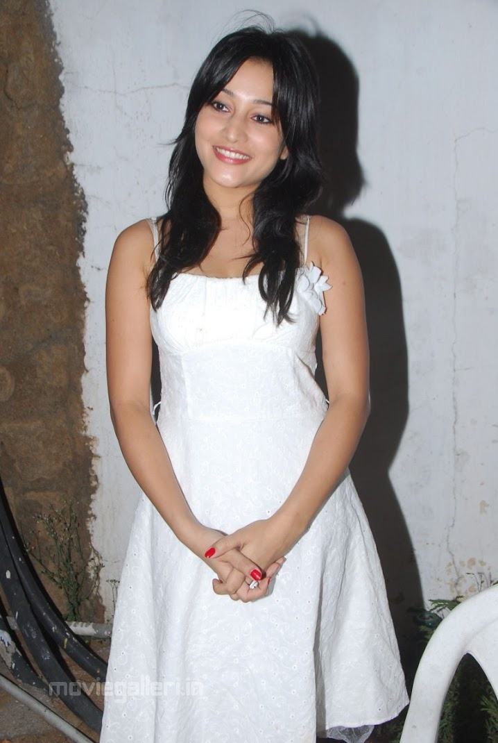 Cute Ritu Barmecha Latest Stills