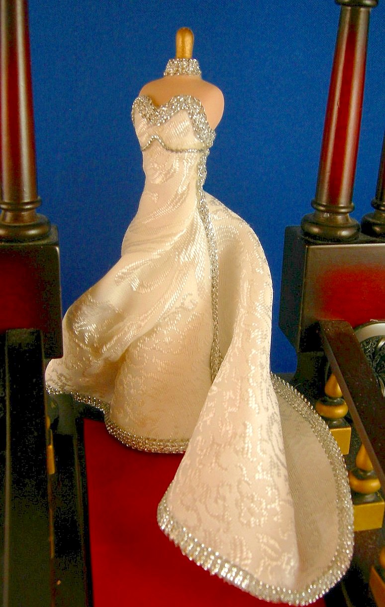 Dollhouse Miniatures By Felma J Mannequins By Sandy Calderon Time For Wedding Dresses Selection