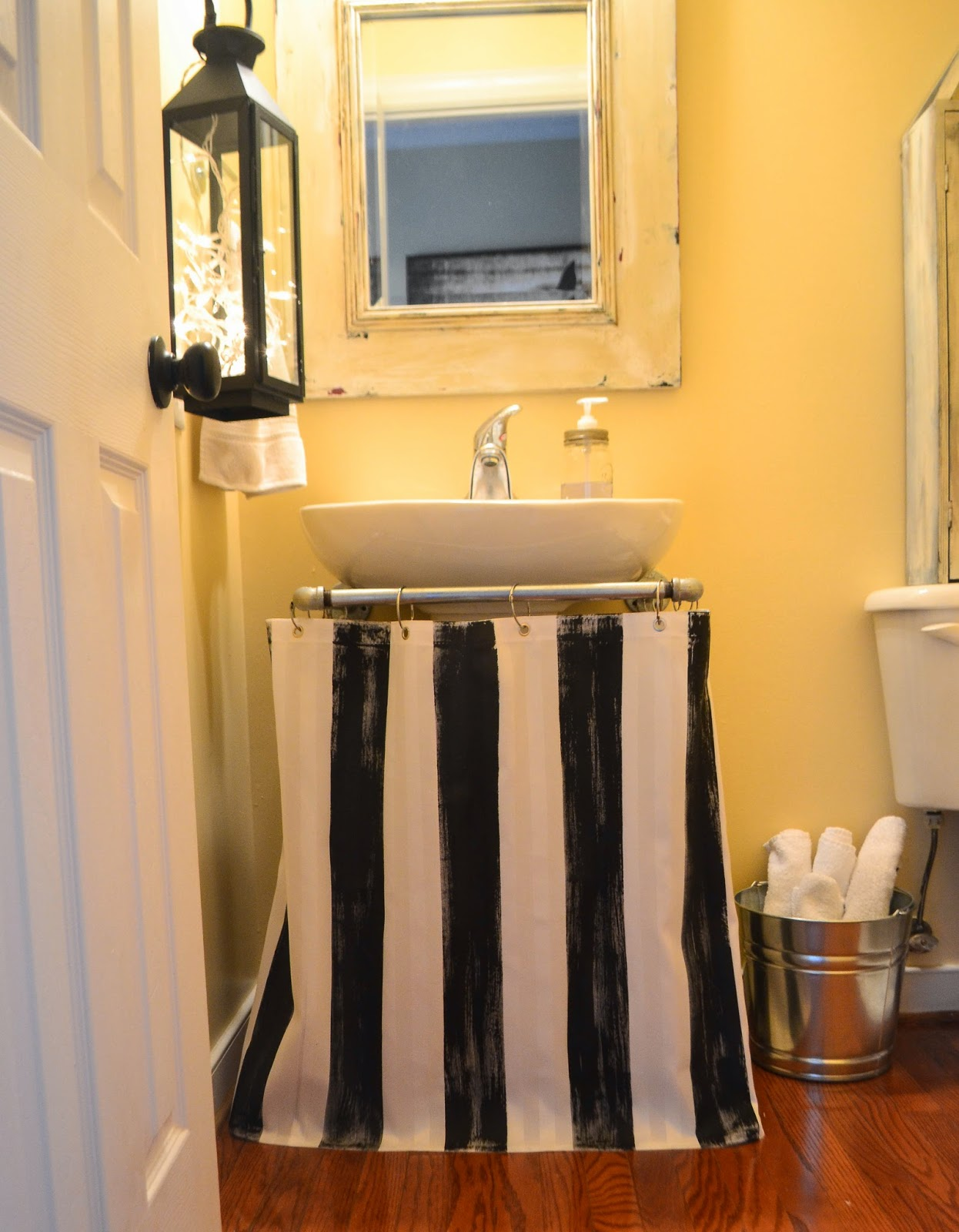 Superbe Painted Pedestal Sink Skirt / Shower Curtain