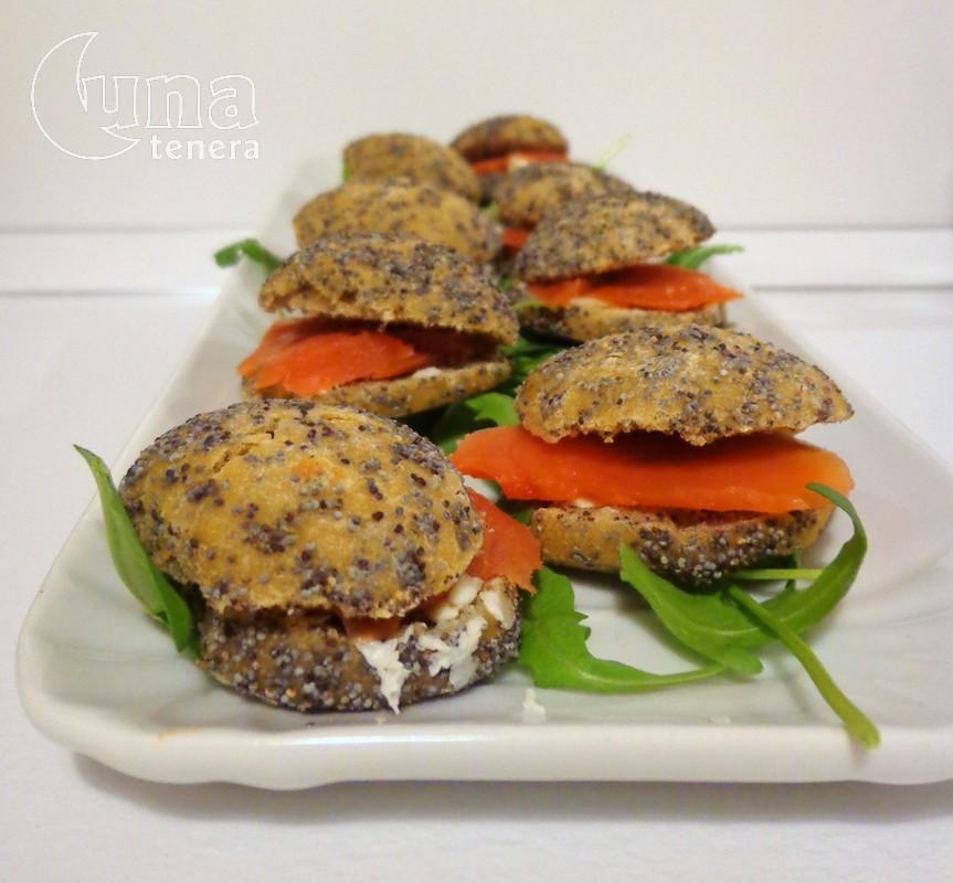 mini panini con semi di papavero